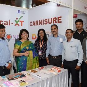 Dr Laxmi Shrikhande and Dr Ruma Bhargava with Medical Reps of Carnisure