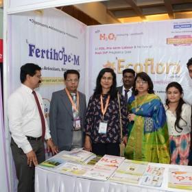 Dr Laxmi Shrikhande and Dr Ruma Bhargava with Medical Reps at Masterclass Infertility III