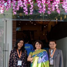 Dr Laxmi Shrikhande, Dr Anil Shrikhande, Dr Ruma Bhargava at Masterclass Infertility III Entrance